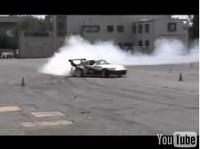 Vidéo : Drift en Porsche 911 GT2.. ça fait vibrer les tympans !!