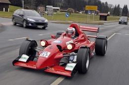 Une Formule Ford pour aller aux courses