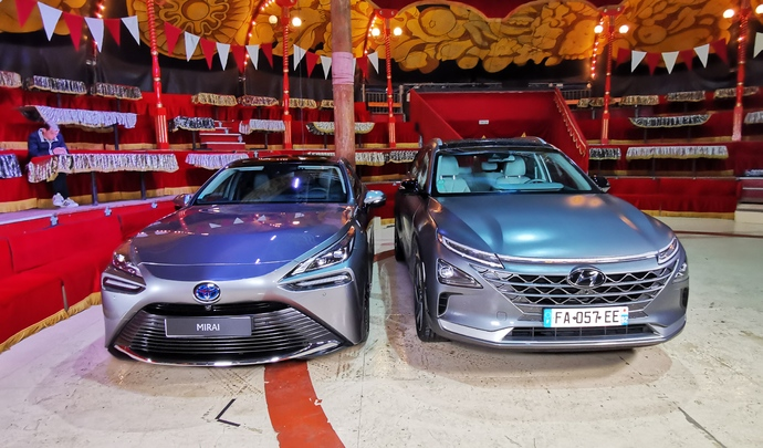 Hyundai Nexo et Toyota Mirai : seules au monde - Salon Caradisiac Electrique/hybride 2021