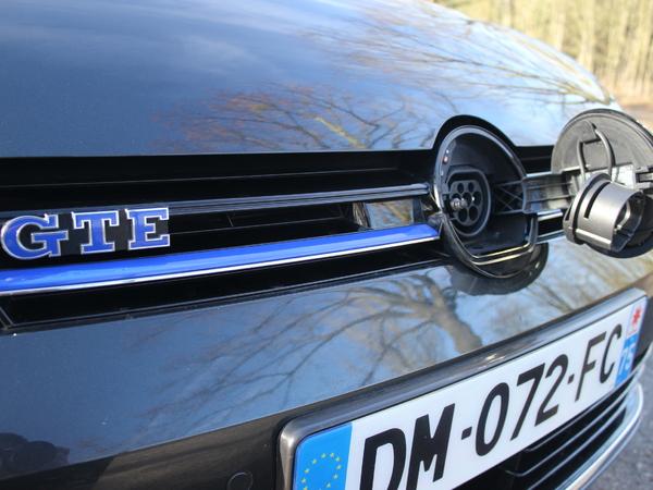 2 000 km en volkswagen golf gte faut il profiter du superbonus pour acheter un hybride. Black Bedroom Furniture Sets. Home Design Ideas