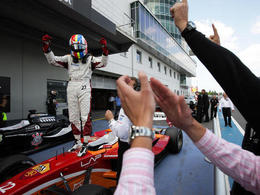 Superleague Formula/Nürburgring: Chris van der Drift impose à nouveau l'Olympiacos en superfinale