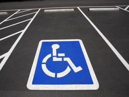 Bientôt le stationnement gratuit pour les personnes handicapées ?