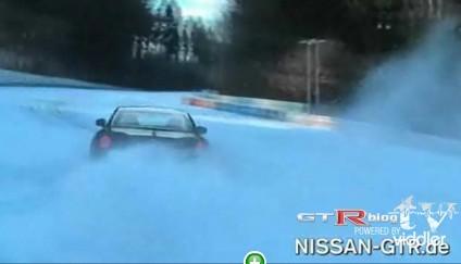 Vidéo : Nissan GTR sur le ring' enneigé !