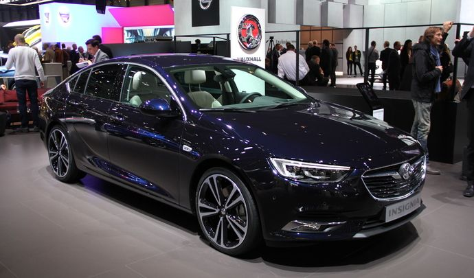 opel insignia grand sport berline xxl vid o en direct du salon de gen ve 2017. Black Bedroom Furniture Sets. Home Design Ideas