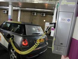 Bolloré va équiper Londres en bornes de recharge