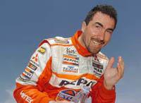 Luc Alphand remporte l'étape et prend la tête du Dakar