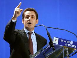 """Nicolas Sarkozy """"Il est scandaleux d'enlever les panneaux indicateurs de radars""""."""