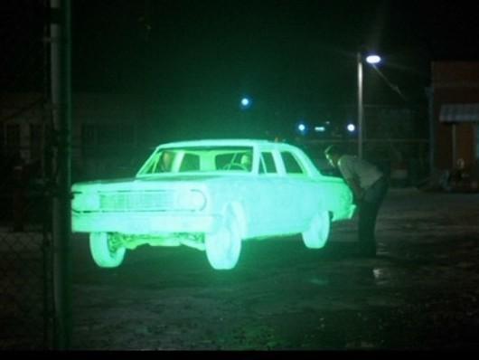 peinture mtn alien poltergeist votre voiture va devenir phosphorescente pour pas cher. Black Bedroom Furniture Sets. Home Design Ideas