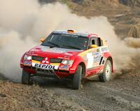 Luc Alphand remporte sa deuxième victoire sur le Dakar