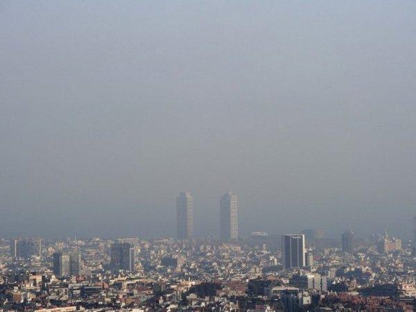 pollution barcelone en alerte depuis une semaine. Black Bedroom Furniture Sets. Home Design Ideas