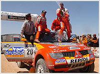 Luc Alphand remporte le Dakar 2006