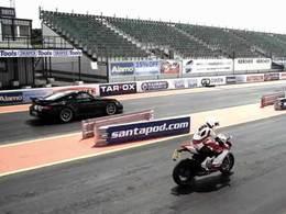 [vidéo] Porsche 911 GT2 RS vs Ducati 1199 Panigale