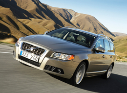Volvo V70 et XC 70 : la marque rappelle 65 000 modèles pour un défaut d'airbag.