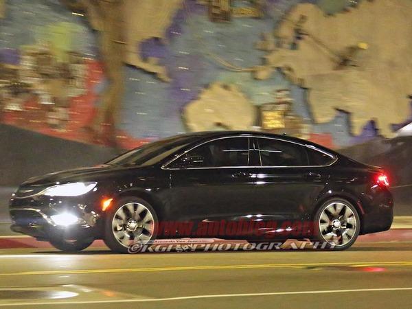 La future Chrysler 200 en fuite