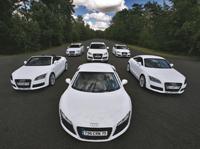 Le blanc: couleur à la mode pour les voitures de sport