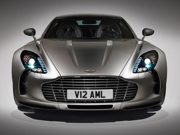 (Vidéo) L'Aston Martin One-77 à Londres