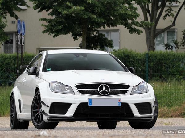 Photos du jour : Mercedes C63 AMG Black Series (Cars and Coffee Paris)