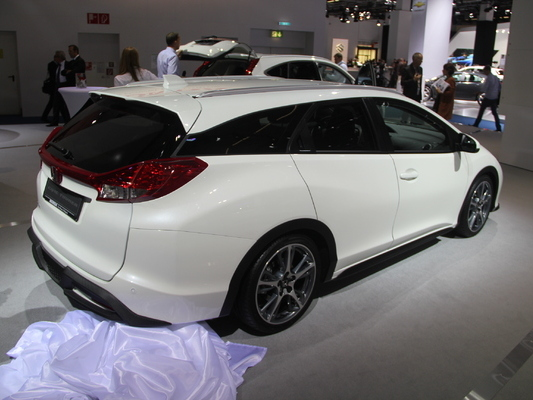 Honda Civic Tourer : à partir de 23 940 euros
