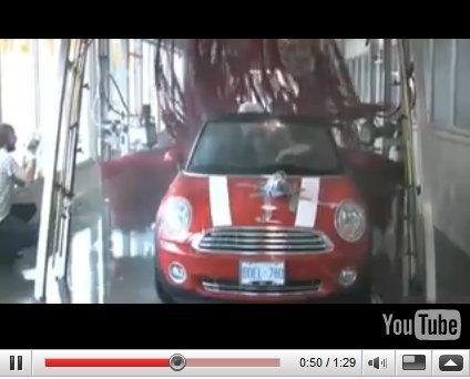 Vidéo Pub : Mini Cabrio, toujours open