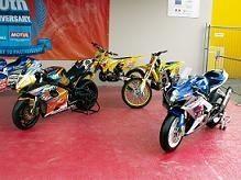L'exposition Suzuki dans le village au Mans