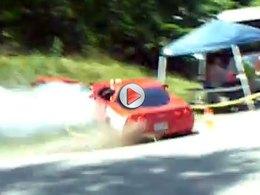 [Vidéo] Une Corvette Z06 se crashe dans une BMW M3 pendant un étrange rallye américain