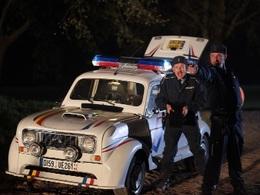 """La Renault 4 du film """"Rien à déclarer"""" mise aux enchères le 13 Juin"""