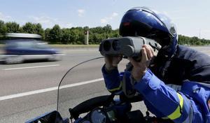 Excès de vitesse: 249km/h au lieu de 90 sur une départementale