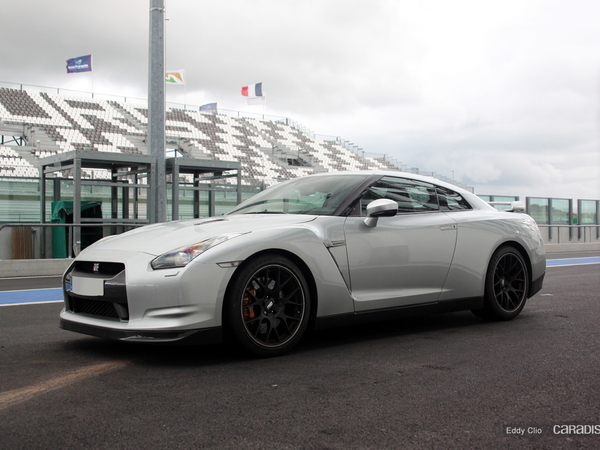 Photos du jour : Nissan GTR (Prestige Racing)