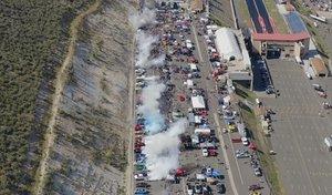 170 voitures réalisent un burn-out simultanément