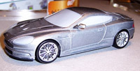L'Aston Martin DBS trahie... par son modèle réduit