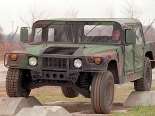 Assemblez votre propre Humvee grâce à AM General