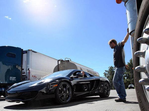 Ring Folies : Une McLaren MP4-12C se crashe à haute vitesse