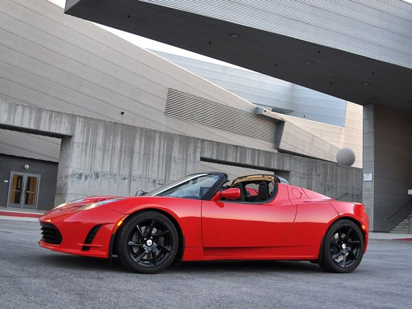 Nouveau Tesla Roadster 2.5 : rafraîchissement estival