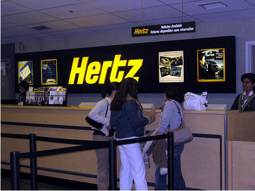 chez hertz on ach te sa voiture d 39 occasion directement au. Black Bedroom Furniture Sets. Home Design Ideas