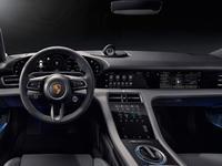 Porsche Taycan : voici l'intérieur dans son intégralité