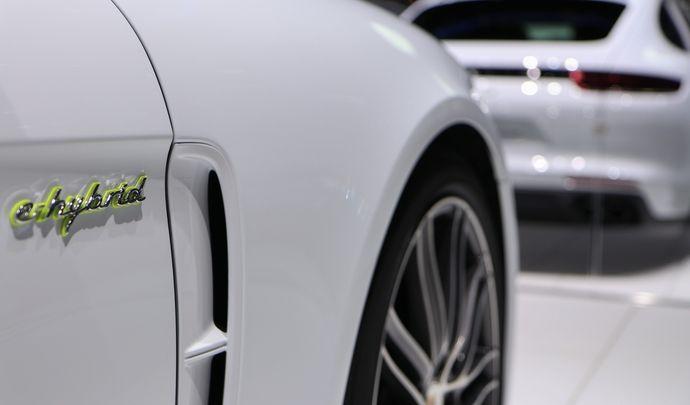 Porsche : le Cayenne lui aussi en Turbo S E-Hybrid
