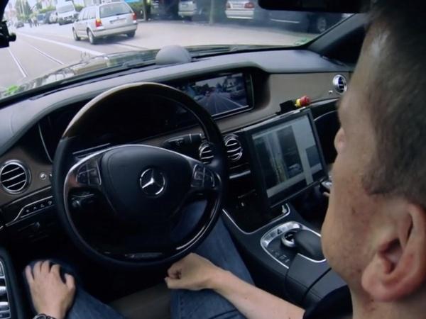 Voiture autonome : Toyota dit non, je dis oui...
