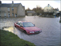 Ils revendent des voitures endomagées par Katrina