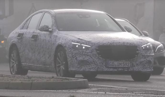 La future Mercedes Classe S se montre dans le brouillard