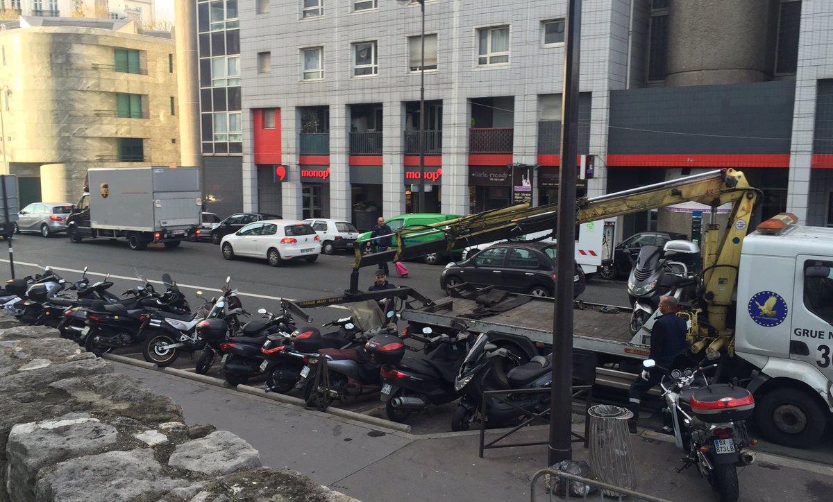 Faut-il rendre payant le stationnement des deux roues ?