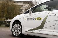 PSA présente ses diesels hybrides