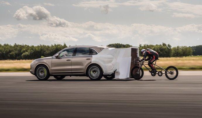 Le nouveau Cayenne Turbo S E-Hybrid utilisé pour un record de vitesse