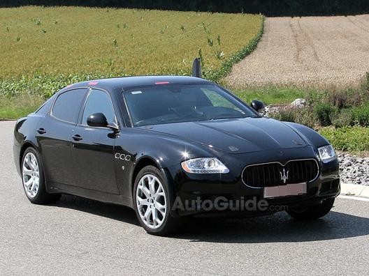 La berline d'entrée de gamme Maserati sur base de Chrysler 300C ?