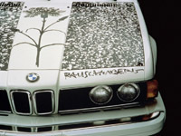 Un pasteur vend une de ses églises pour s'acheter une BMW