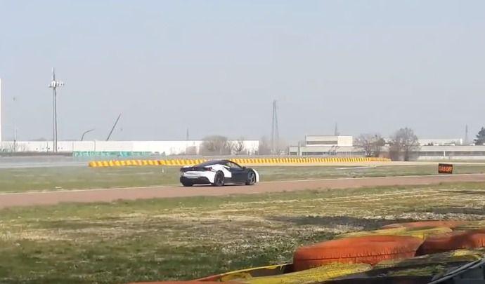 La première Ferrari silencieuse en action