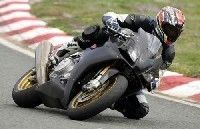 Aprilia RSV-4 : la version route en piste