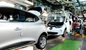 L'emploi automobile pèse deux fois moins lourd en France qu'en... Slovaquie !
