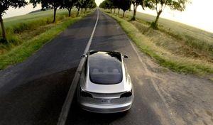 Tesla lève plus d'argent que prévu pour le lancement de la Model 3