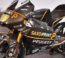 Moto3: la Peugeot se montre en uniforme en Allemagne