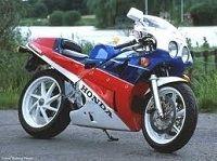 Actualité moto - Honda: Une sportive avec un V4 nous est promise